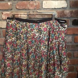 Flower mid length skirt